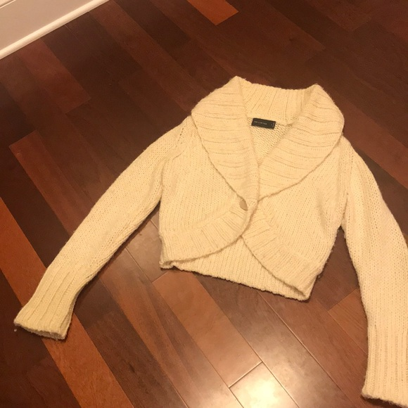 The Limited Sweaters - The Limited cream crop sweater